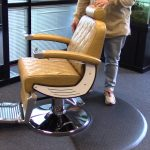 how much does a barber chair weigh