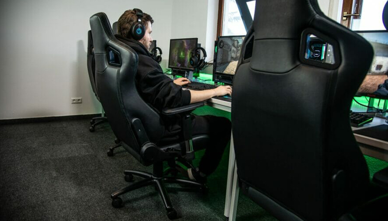 how to use gaming chair pillows